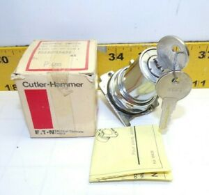 NEW EATON CUTLER HAMMER 3 POSITION SELECTOR SWITCH SPRING RETURN  10250T15434