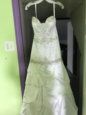 Alfred Angelo wedding dress new with tags size 4