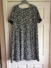 DOROTHY PERKINS BLACK WHITE FLORAL DRESS SIZE 20 BRAND NEW