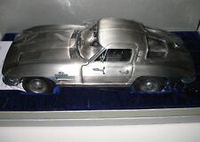 Franklin Mint 1:12 Corvette Sting Ray en fino estaño