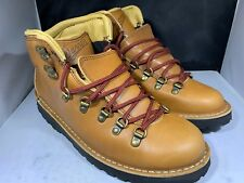 Danner Womens Mountain pass rio brown boots size 7.5m # 33278 ( R106)