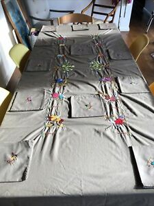 Hand Embrioderd African Folk Art Table Cloth And Napkins