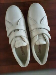 Leap Hotter Shoes Size 6.5