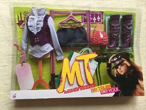 Moxie Teenz Clothing & Accessories, MGA Entertainment, NIB, RARE, Schoolgirl