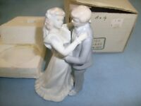 Roman Inc . First Kiss Statue , made in Japan  , Vintage  Ceramic  /s2