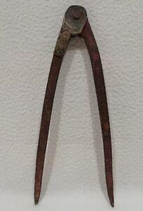 Ancien outil COMPAS du 18eme Art Populaire en fer et bronze // Hauteur 22 cm.