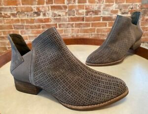 Vince Camuto Grey Suede Celena Ankle Boots Booties 7W New