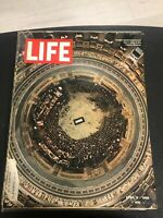LIFE April 11,1969 Eisenhower in the Capitol / Lee Iacocca / Hockey Russians