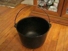 VTG Large Cast Iron Kettle/Cauldron/Bean Pot W/Bail Handle, 3 Legs, Unmarked 7qt