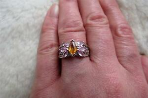 9CT 375 White Gold Marquise Facet Cut Citrine & Pink Sapphire Ring Size N