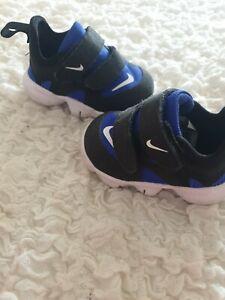 Baby boy nike trainers Size 1.5