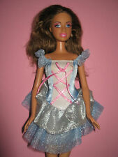 B56-morena barbie mattel 2005 Bailarina azul-rosa de ballet de vestido + ballet