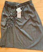 CLU Skirt Lge. NWT.   PG285
