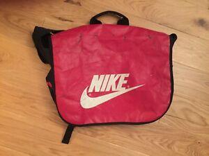 Genuine NIKE Sports/Shoulder/messenger/travel/laptop Bag. Vintage Used condition
