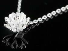 925 Silver plated daisy / lotus pendant necklace