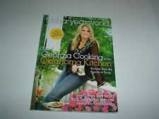 Trisha Yearwood Georgia Cooking in an Oklahoma Kitchen Paperback New 2014