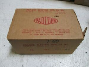 PAULUHN ELECTRIC 2613 RECEPTACLE *NEW IN BOX*