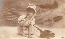 BD662 Carte Photo vintage card RPPC Femme woman décor mer bateau rame chapeau