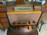 Antique Radio Emerson 512, Replaced Capacitors, Works and Looks Great