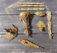 Bronze massif lot ornements meuble coins pieds entrée clé clou col de Cygne tige