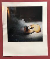 John Isaacs, ohne Titel, Farbphotographie, 2001, handsigniert und datiert
