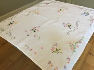 Small Original Vintage Tablecloth Floral Hand Embroidery Worked Linen 99x94cm