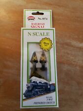Model Power N Scale 8574 Railroad Signal Lighted Crossing Railroad 3 Way NEW