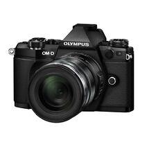 Olympus OM-D E-M5 Mark II M.ZUIKO 12-50mm F3.5-6.3 Zoom EZ Len Kit Black