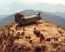 VIETNAM WAR PHOTO US ARMY TROOPS DIG IN FOR BATTLE ATOP HILL 1967 8x10 #21747