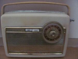 Gut erhaltenes NORD-MENDE--Kofferradio  CONDOR