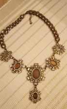Ladies Necklace. Glass and metal.