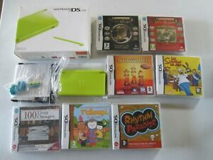 Lot console Nintendo DS Lite verte en boîte + 7 jeux (Simpsons, professeur Layto