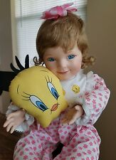 "ASHTON DRAKE COLLECTIBLE DOLL'S ""A SNUGGLE WITH  TWEETY "" Looney tunes serie"