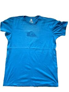 Quiksilver t shirt large in blue