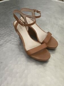 Witchery Tan Leather Wedges Size 41