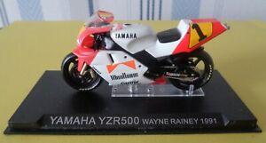 Moto Yamaha YZR500 N° 1 Pilote Waine Rainey 1991  1/24 eme réf 458