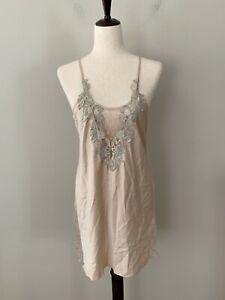 NEW! Flora Nikrooz Sz M Stella Charmeuse Embroidered-Neckline Chemise Nightgown