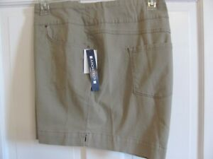 NEW WITH TAG ARCHITECT WOMAN PULL ON STRETCH SHORTS WITH POCKETS SIZE 24W KHAKI