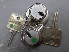 MEDECO HIGH SECURITY sliding glass door display jewerly case padlock lock w key