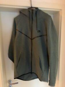 Nike Tech Fleece Jacke Gr. L Grün/schwarz *selten getragen*