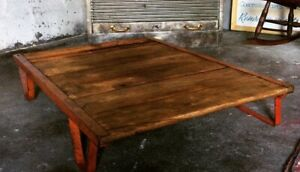 Table basse, Coffee table, ancienne palette SNCF.