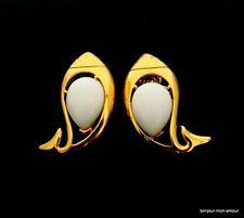 RAR !!! weiße Designer TRIFARI sign. Ohrclips Ohrringe, Orecchini, Fish Earrings