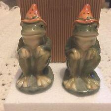 American Retro Hillbilly Frog Ceramic Salt & Pepper Shaker New Open Box