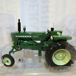 SpecCast Oliver 1650 Tractor with Radio 1/16 Ol-SCT655-B