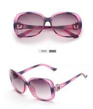 Gafas de sol de mujer en morado