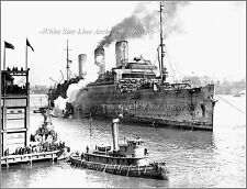 Photo: Troopship Leviathan & Tug Catherine Moran, 1918