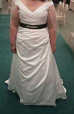 David's Bridal Off-the-Shoulder V-Neck Plus Size Wedding Dress Size 20