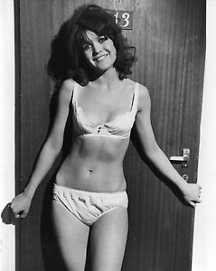"""Sally Geeson Carry On Films 10"""" x 8"""" Photograph no 35"""