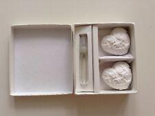 """Parfum de maison """"Lavande"""", dans sa boîte, avec deux coeurs blancs"""