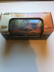 TONY STEWART #20 HOME DEPOT 2000 REVELL 1:43 DIECAST